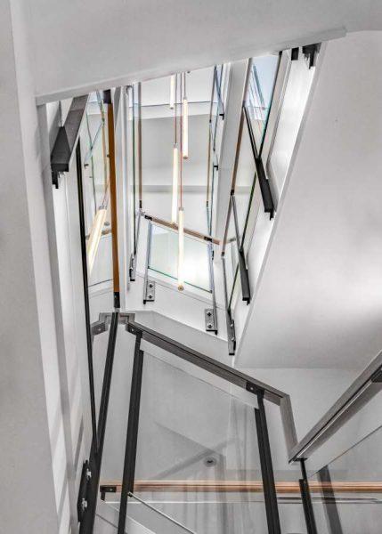 City-interior-stair-20190610-©Keitaro-Yoshioka-001_CC